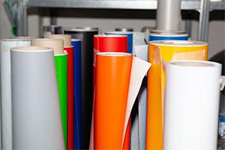 azienda grafica per allestimenti, roll to roll, grafica per stand, allestimenti fieristici e stand